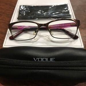 Vogue Eyewear 💗